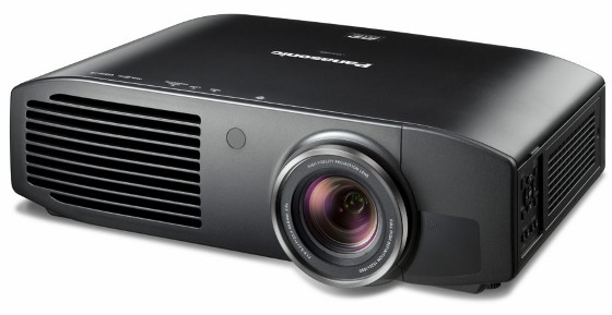 Проектор Panasonic PT-AE7000 / PT-AT5000  - вид  спереди
