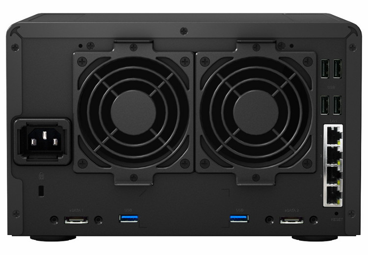 5-�� �������� ������� ���������� Synology Disk Station  DS1513+ - ��� �����